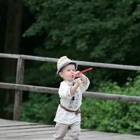 copil-cu-fluier